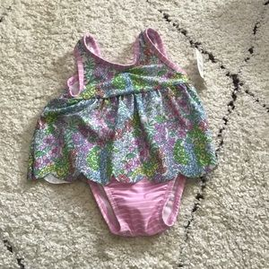NWT Baby Gap swimsuit 0-6 months floral